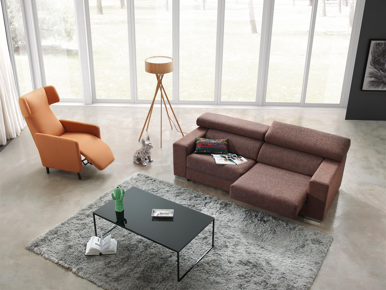 Alfombra de color gris, elegancia en tu hogar.