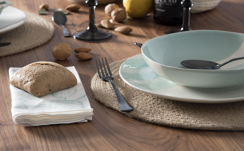 Bajo platos, una nueva forma de poner la mesa